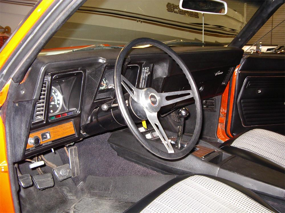 1969 CHEVROLET CAMARO Z/28 COUPE - Interior - 22182