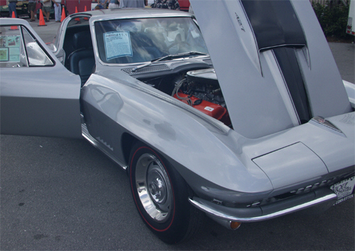 1967 CHEVROLET CORVETTE 427/435 COUPE - Front 3/4 - 22190