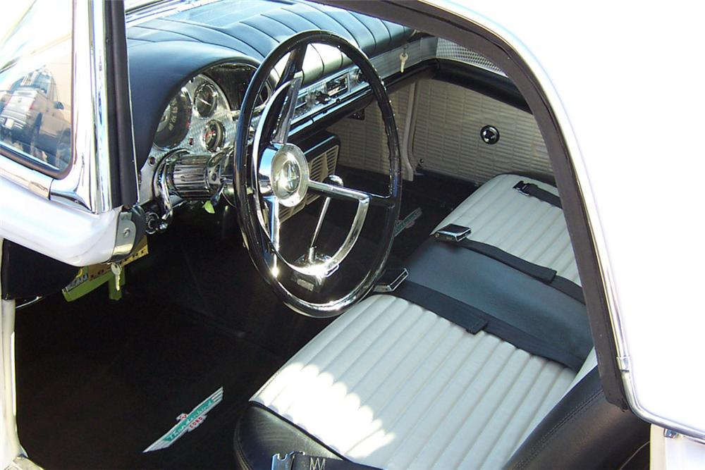 1957 FORD THUNDERBIRD E CONVERTIBLE - Interior - 22202