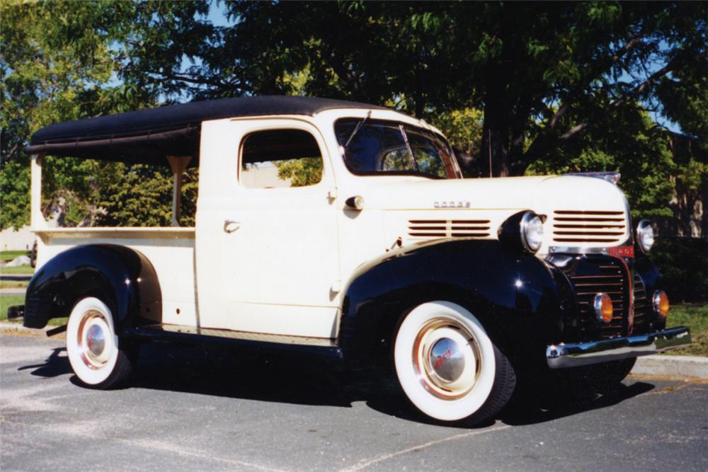 1947 DODGE CANOPY EXPRESS TRUCK - Front 3/4 - 22217