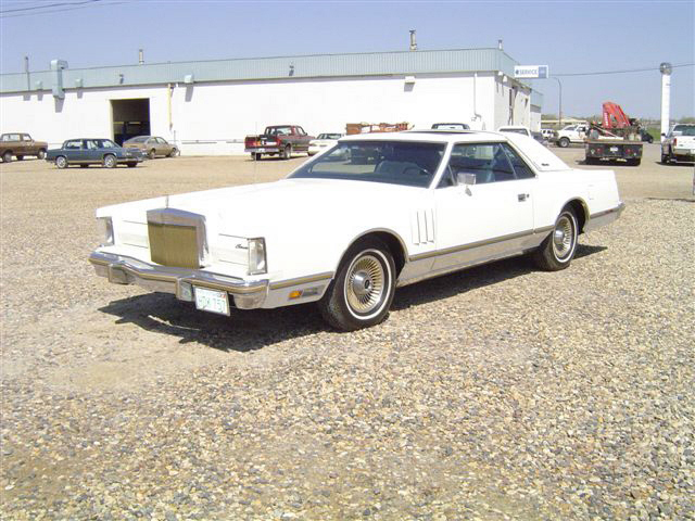 1979 LINCOLN CONTINENTAL MARK V 2 DOOR HARDTOP - Front 3/4 - 22236