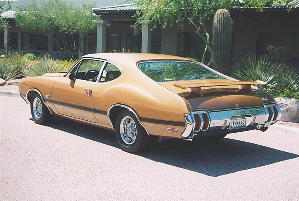 1970 OLDSMOBILE 442 W30 COUPE - Rear 3/4 - 22237