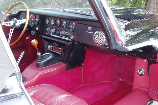 1970 JAGUAR XKE SERIES II ROADSTER - Interior - 22250