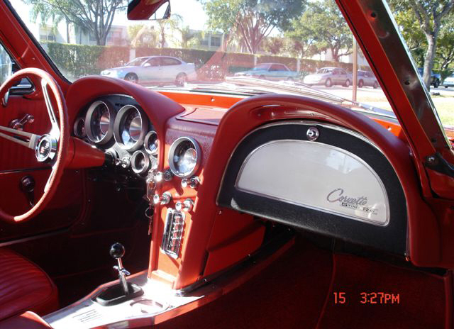 1963 CHEVROLET CORVETTE FI SPLIT WINDOW COUPE - Interior - 22253