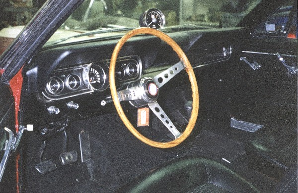 1966 SHELBY GT350 FASTBACK - Interior - 22361