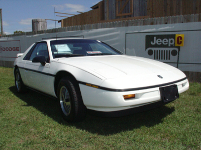 1988 PONTIAC FIERO 2 DOOR - Front 3/4 - 22423