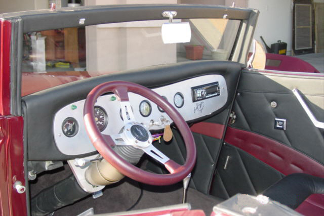 1933 FORD CUSTOM ROADSTER - Interior - 22436