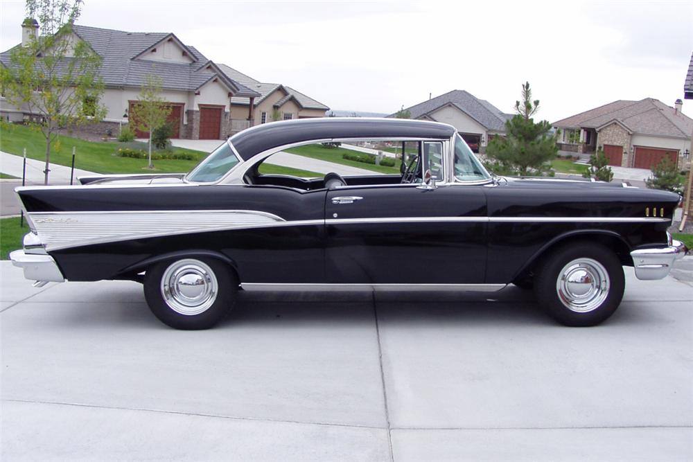 1957 CHEVROLET BEL AIR 2 DOOR HARDTOP - Side Profile - 22445