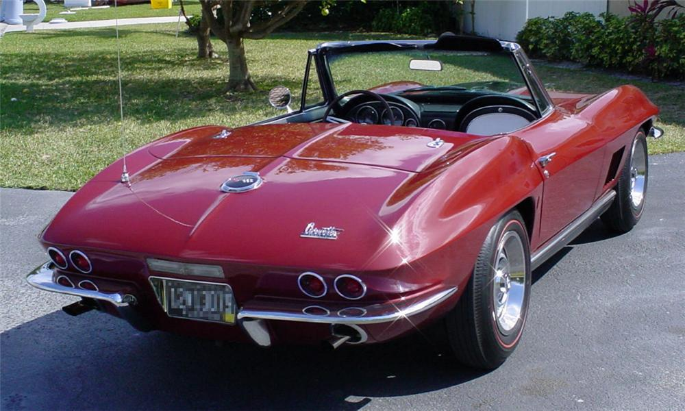 1967 CHEVROLET CORVETTE 427/435 CONVERTIBLE - Rear 3/4 - 22463