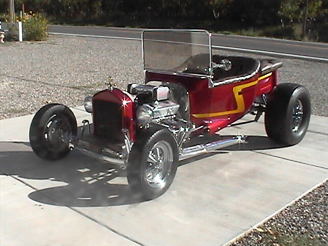 1926 FORD T-BUCKET ROADSTER - Front 3/4 - 22464