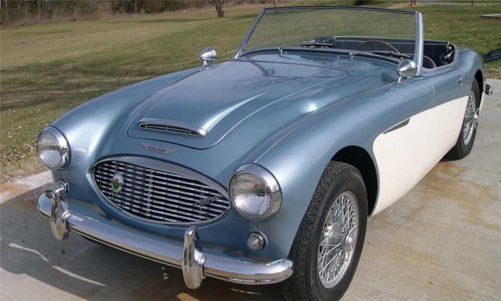 1959 AUSTIN-HEALEY 100-6 BN4-LO CONVERTIBLE - Front 3/4 - 22471