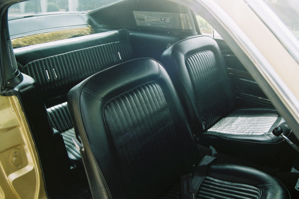 1968 FORD MUSTANG GT FASTBACK - Interior - 22516