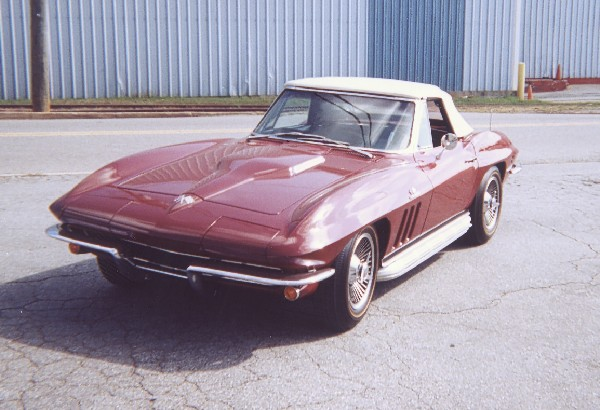 1965 CHEVROLET CORVETTE ROADSTER - Front 3/4 - 22570