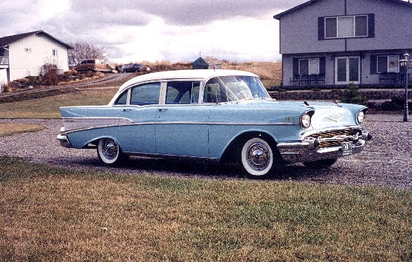 1957 CHEVROLET BEL AIR SEDAN - Front 3/4 - 22588
