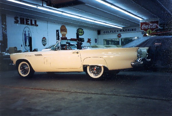 1957 FORD THUNDERBIRD F CONVERTIBLE - Front 3/4 - 22589