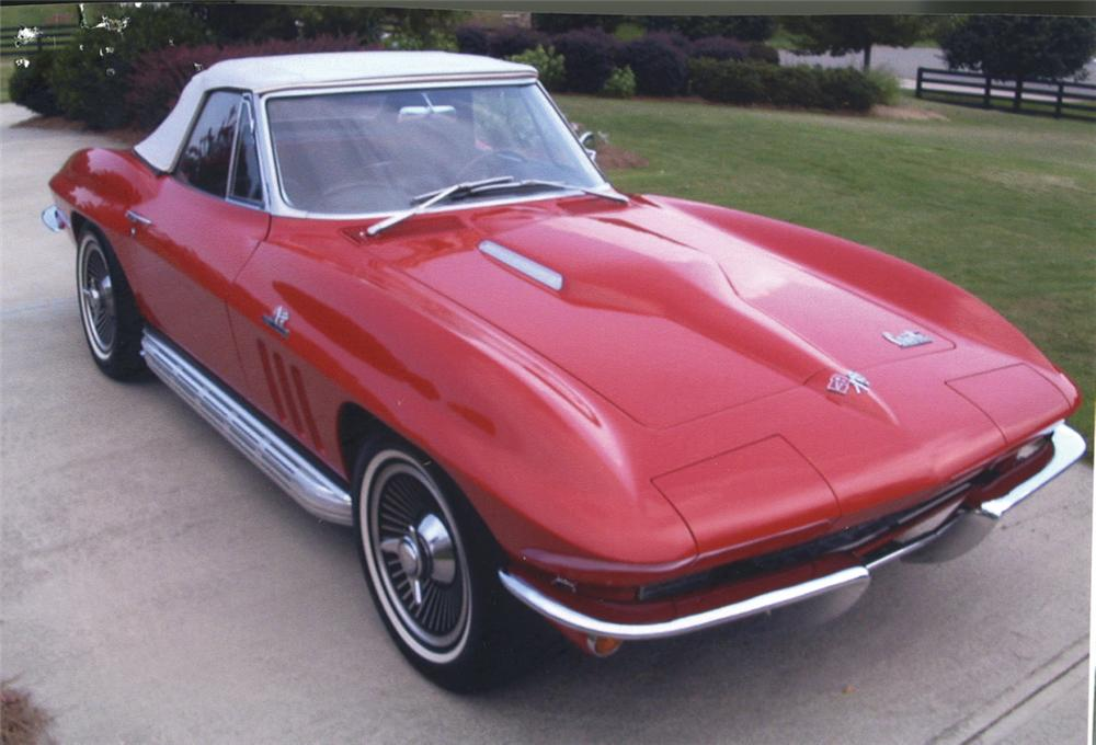 1966 CHEVROLET CORVETTE 427/425 CONVERTIBLE - Front 3/4 - 22598