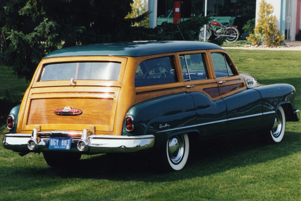 1950 BUICK WOODY SUPER STATION WAGON - Rear 3/4 - 22630