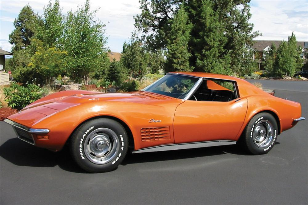 1972 CHEVROLET CORVETTE 454 COUPE - Front 3/4 - 22638
