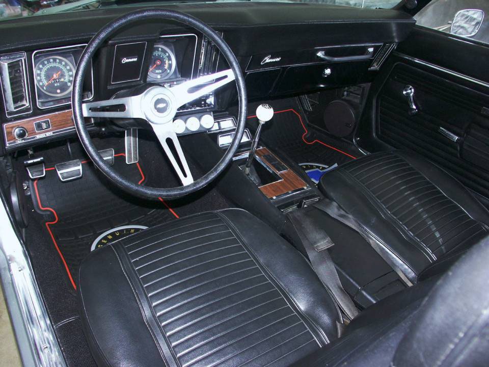 1969 CHEVROLET CAMARO Z/28 RS COUPE - Interior - 22648