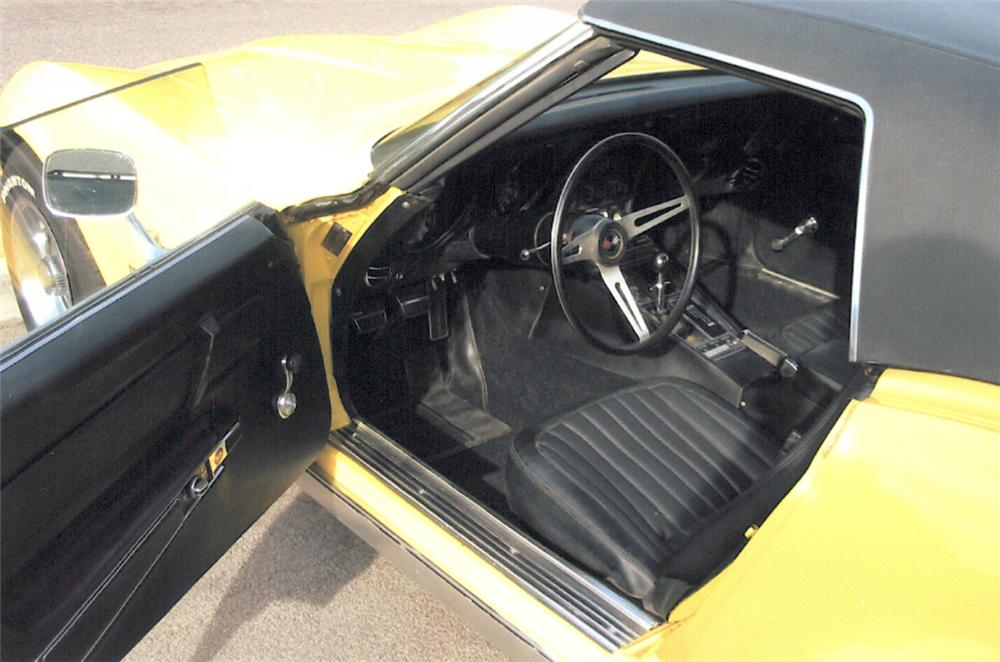 1969 CHEVROLET CORVETTE CONVERTIBLE - Interior - 22816