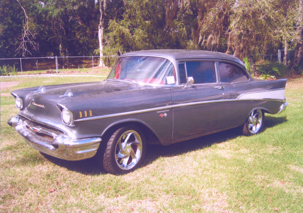1957 CHEVROLET BEL AIR CUSTOM 2 DOOR HARDTOP - Front 3/4 - 22821