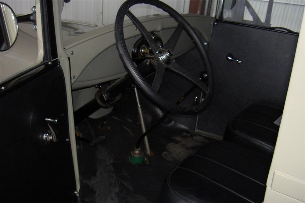1928 FORD MODEL A DOUBLE DOOR DELIVERY - Interior - 22863