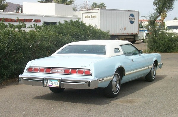 1976 FORD THUNDERBIRD 2 DOOR - Rear 3/4 - 22978