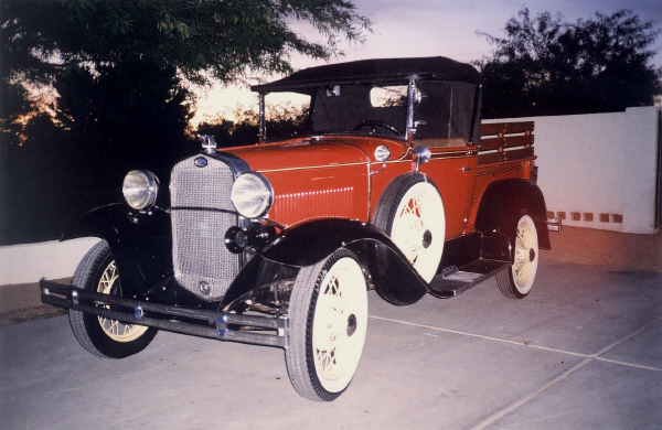 1930 FORD MODEL A PICKUP - Front 3/4 - 23022