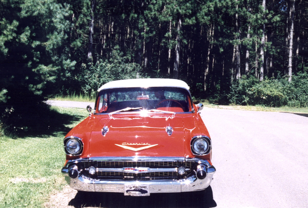 1957 CHEVROLET BEL AIR COUPE - Side Profile - 23023
