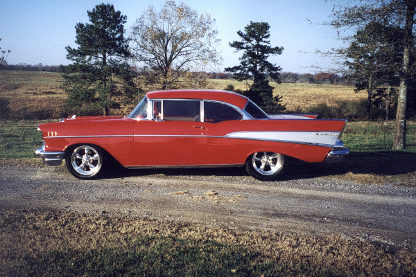 1957 CHEVROLET BEL AIR HARDTOP COUPE - Side Profile - 23024