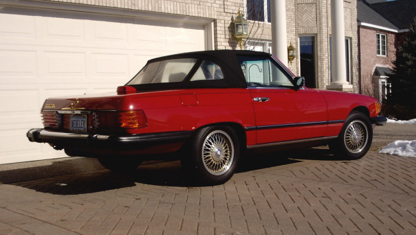 1986 MERCEDES-BENZ 560SL ROADSTER - Rear 3/4 - 23041