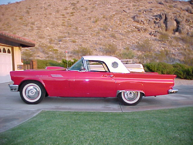 1957 FORD THUNDERBIRD CONVERTIBLE - Rear 3/4 - 23058