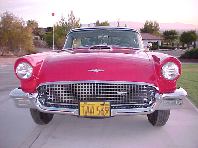 1957 FORD THUNDERBIRD CONVERTIBLE - Side Profile - 23058