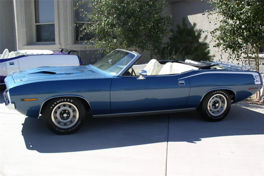 1970 PLYMOUTH CONVERTIBLE - Front 3/4 - 23065