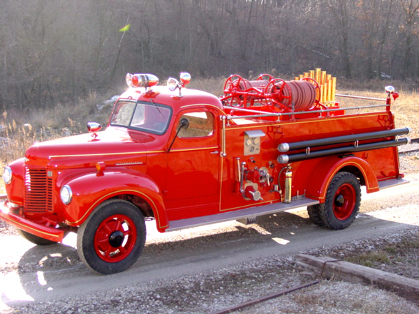 1942 INTERNATIONAL CALLIOPE SPECIAL FIRE TRUCK - Side Profile - 23097