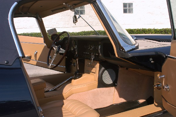 1965 JAGUAR XKE SERIES I ROADSTER - Interior - 23202