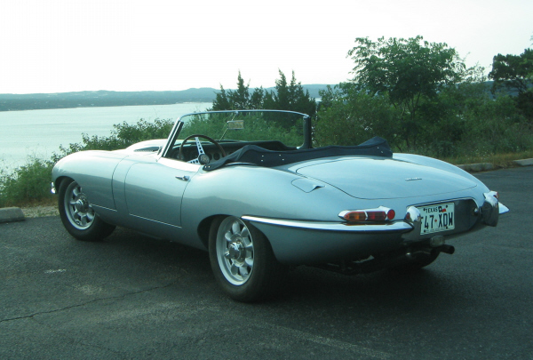 1963 JAGUAR XKE ROADSTER - Rear 3/4 - 23244