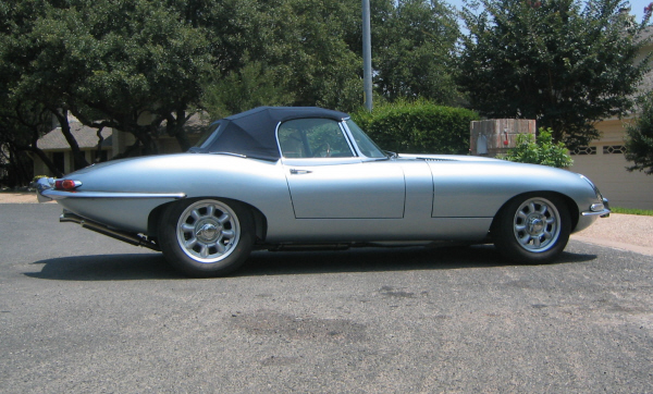 1963 JAGUAR XKE ROADSTER - Side Profile - 23244