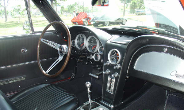 1964 CHEVROLET CORVETTE 327 COUPE - Interior - 23258