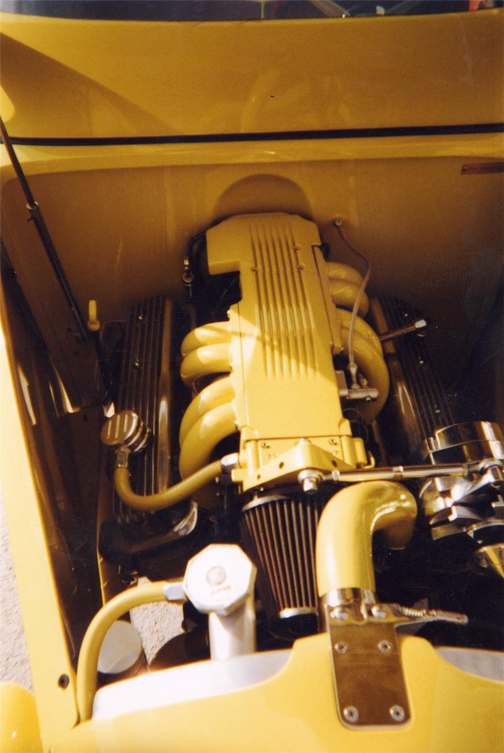 1932 FORD HI-BOY ROADSTER - Engine - 23259