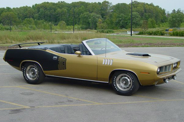 1971 PLYMOUTH CONVERTIBLE - Front 3/4 - 23297