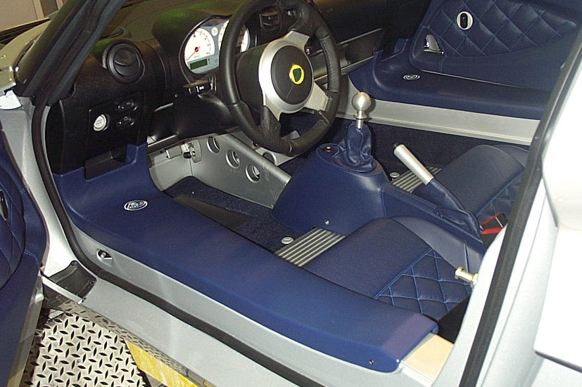 2005 LOTUS ELISE CUSTOM SEDAN DELIVERY - Interior - 23308