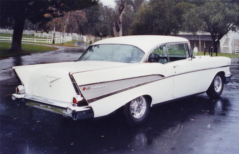 1957 CHEVROLET BEL AIR CUSTOM 2 DOOR HARDTOP - Rear 3/4 - 23321