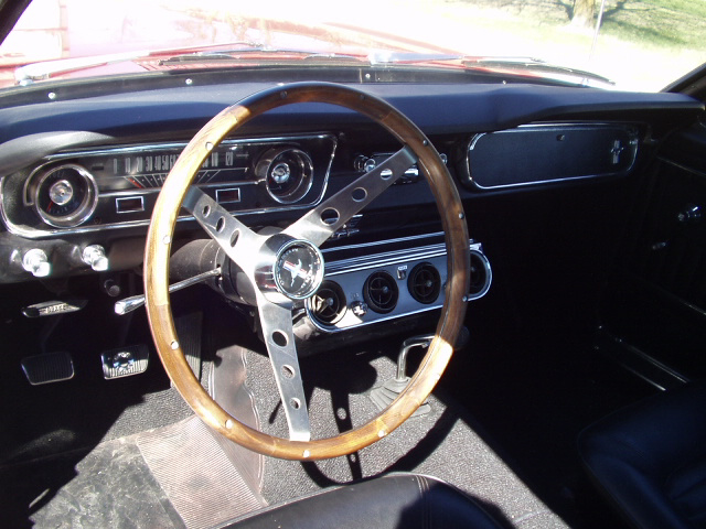 1965 FORD MUSTANG FASTBACK - Interior - 23488