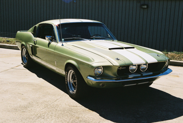 1967 SHELBY GT500 FASTBACK - Front 3/4 - 23544
