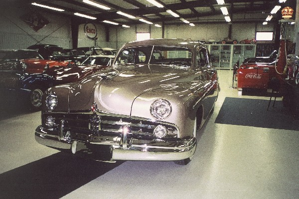 1949 LINCOLN COUPE - Front 3/4 - 23651