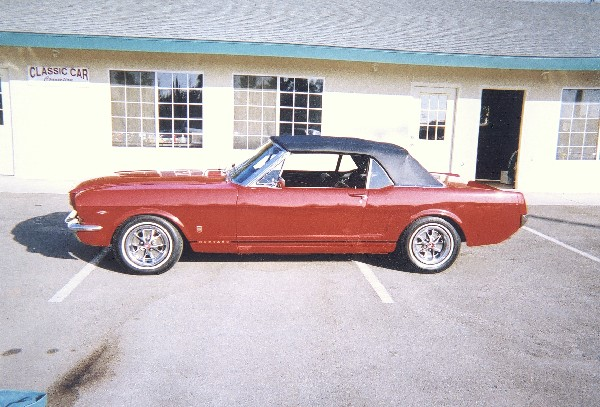 1966 FORD MUSTANG GT CONVERTIBLE - Front 3/4 - 23676