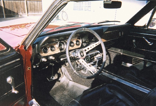 1966 FORD MUSTANG GT CONVERTIBLE - Interior - 23676