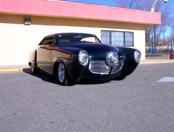 1948 STUDEBAKER COMMANDER CUSTOM COUPE - Front 3/4 - 23677