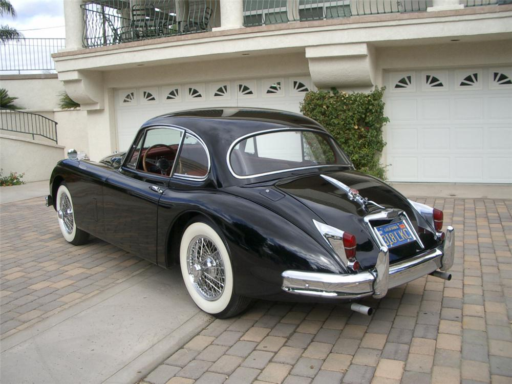 1960 JAGUAR XK 150 FIXED HEAD COUPE - Rear 3/4 - 23688